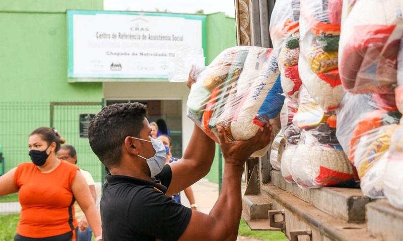 Governo do Tocantins atende 5 mil famílias em mais uma etapa de entrega de cestas básicas