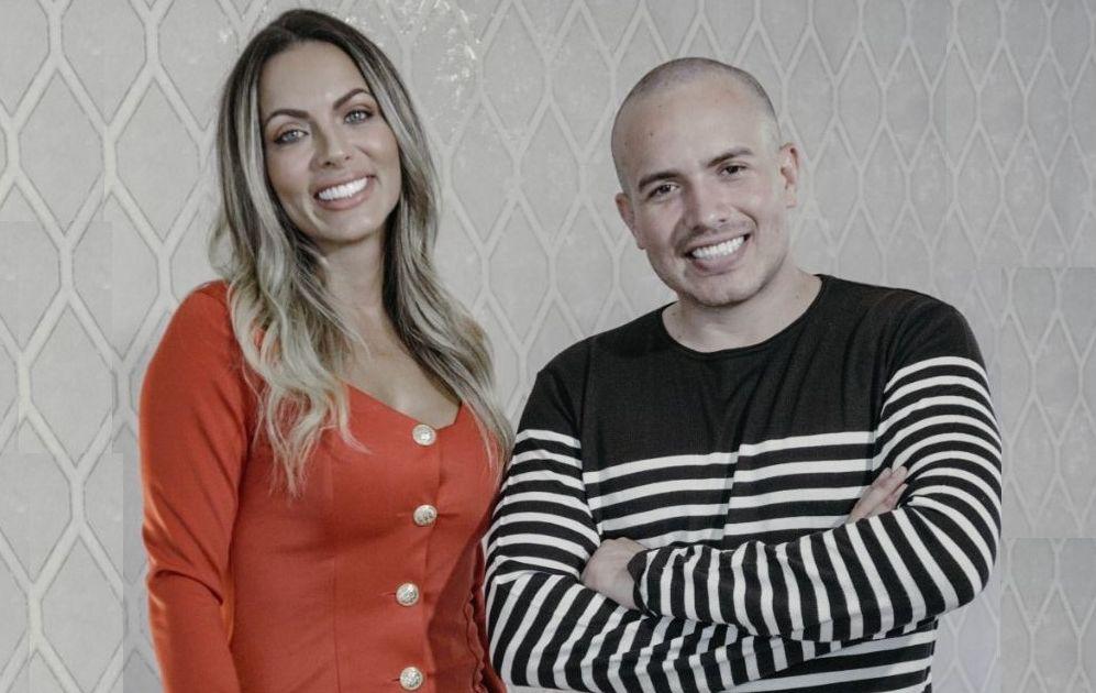 Carla Prata diz, em entrevista a Jr Pacheco, que já passou por três relacionamentos abusivos