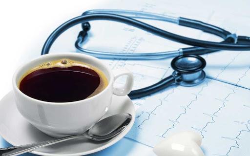 14 de abril, Dia do Café: pacientes com refluxo não precisam cortar o café da dieta