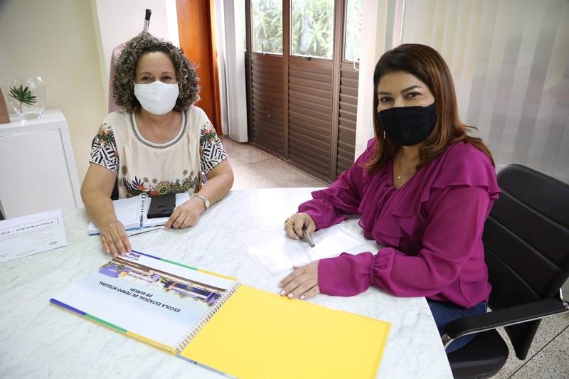 Adriana Aguiar e Josi Nunes discutem implantação de Escola de Tempo Integral em Gurupi