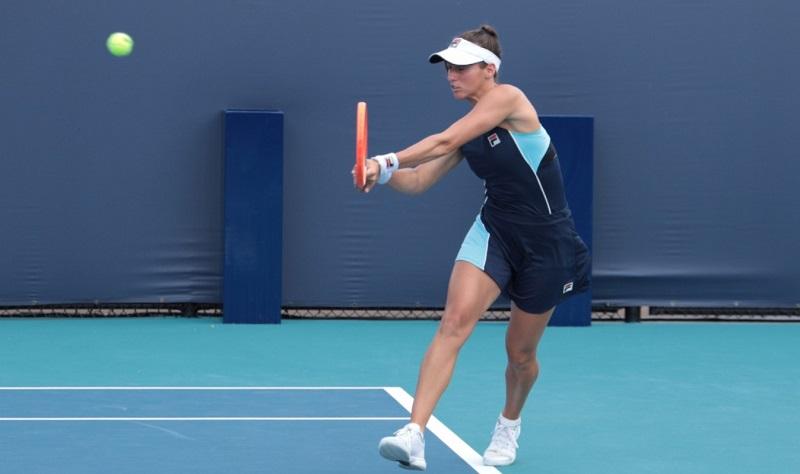 Luisa Stefani é superada na primeira rodada de simples no WTA 125 de Saint Malo, na França