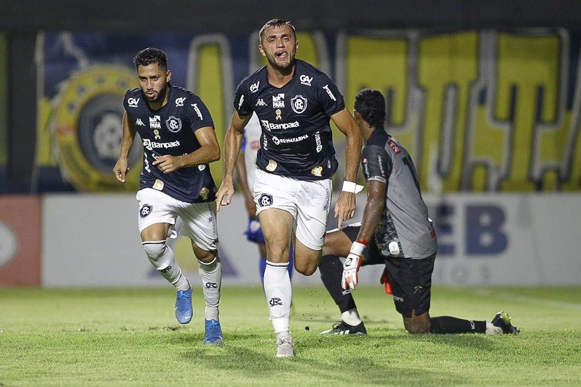 Edson Cariús destaca bom momento e projeta semifinal contra a Tuna Luso