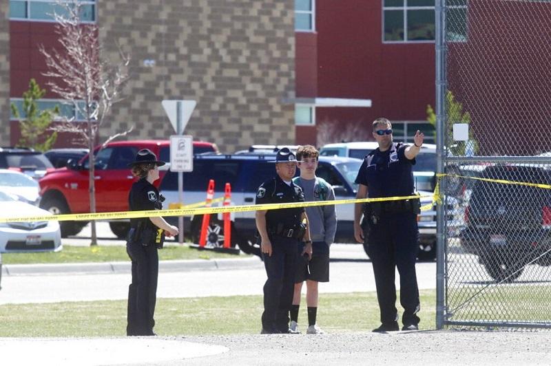 Garota atira em escola nos EUA, fere 3 pessoas e é desarmada por professora