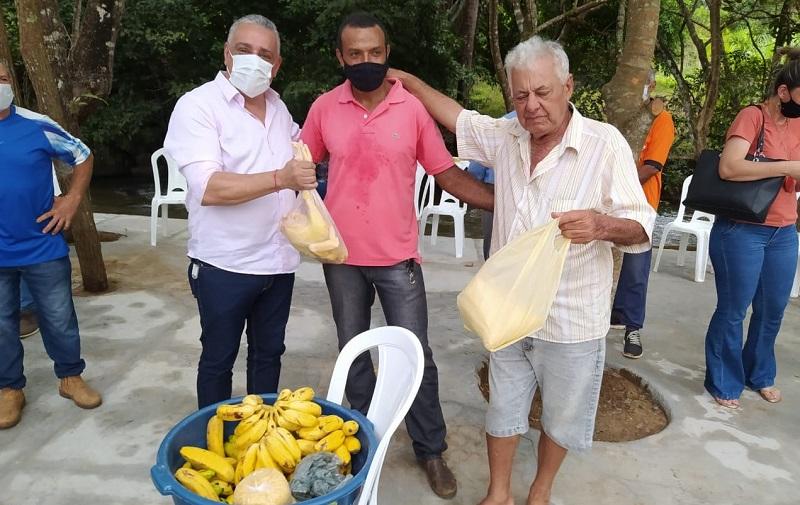 Prefeito Júnior Bandeira se reúne com produtores rurais da comunidade Pedreira em Lajeado
