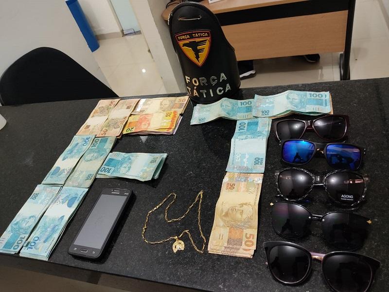 Dinheiro e objetos furtados de estabelecimento comercial são recuperados pela PM em Araguaína