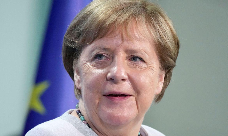Merkel pede responsabilidade à Uefa nos jogos da Eurocopa em Londres