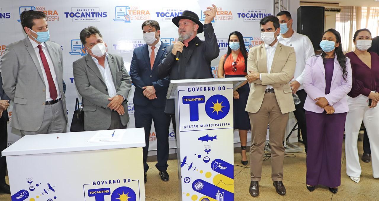 Semana do governador Carlesse é marcada por ações de enfrentamento à pandemia e entregas de kits de alimentos e títulos de terra