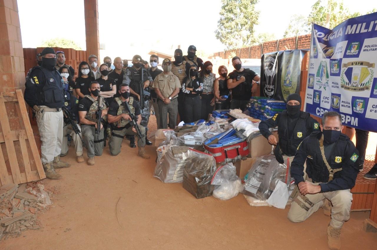 """PC incinera aproximadamente 700 kg de entorpecentes apreendidos durante Operação """"Narco Brasil""""; Paraíso são cerca de 203kgs"""