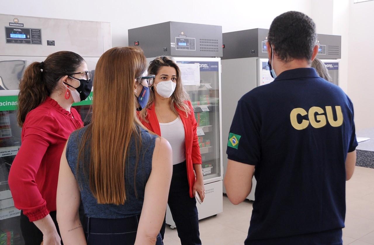 MPTO e CGU vistoriam sistema de acondicionamento de vacinas do município de Palmas