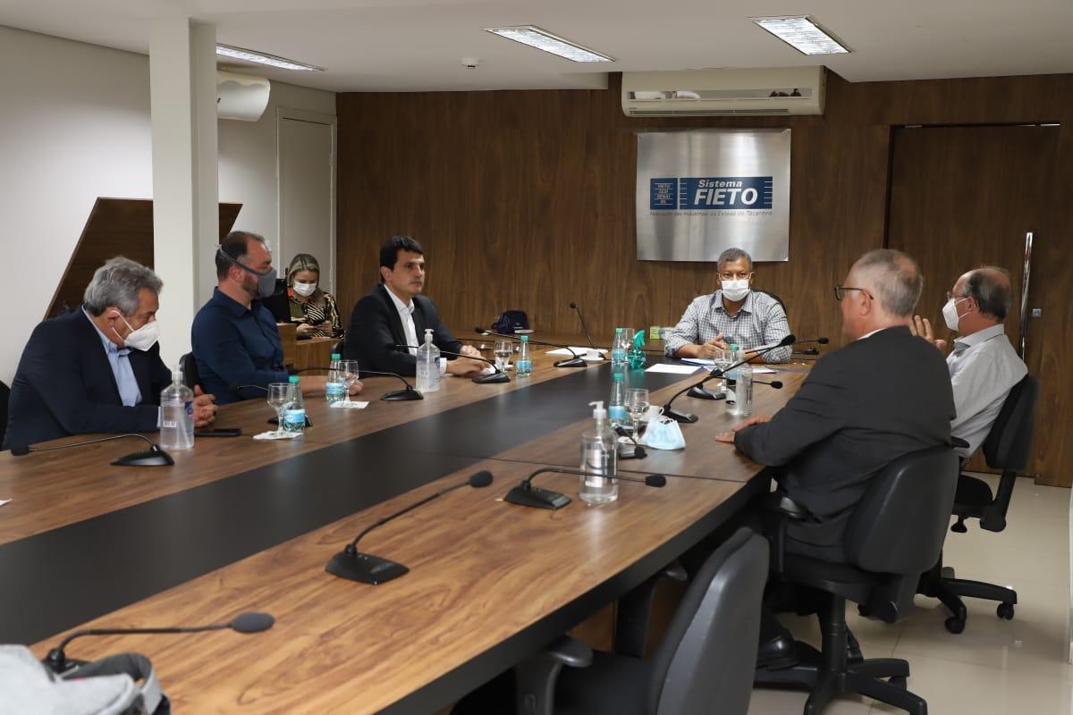 Empresas apresentam para FIETO projeto de implantação de Polo de Fertilizantes em Palmeirante