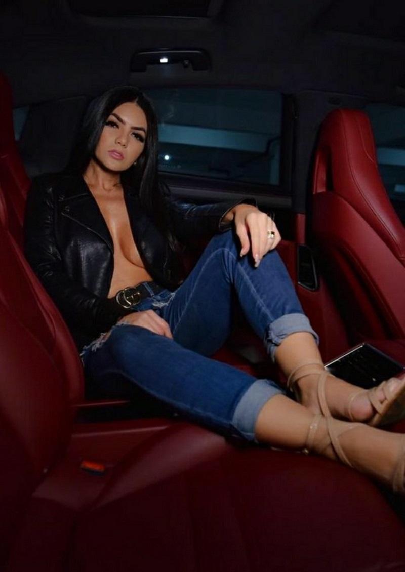 Talyta Rametta impressiona seguidores com foto exibindo decote profundo