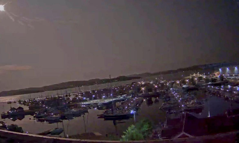 Meteoro ilumina os céus da Noruega; parte pode ter caído perto de Oslo