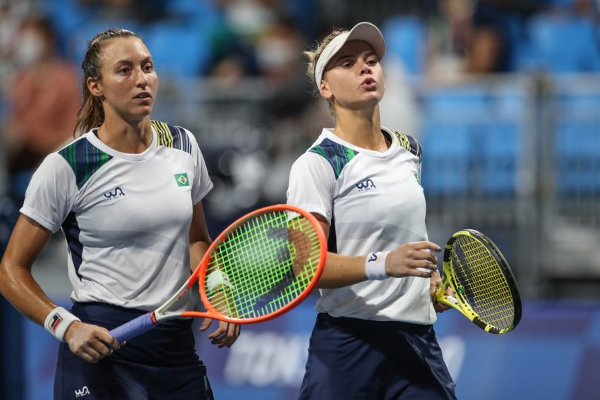 Luisa Stefani e Laura Pigossi disputam medalha de bronze nos Jogos de Tóquio
