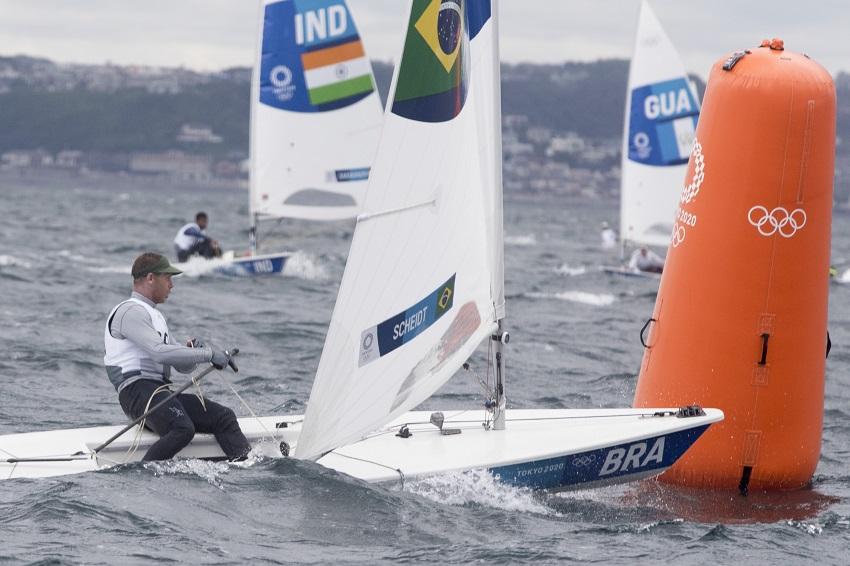 Robert Scheidt garante vaga na medal race em sua sétima Olimpíada