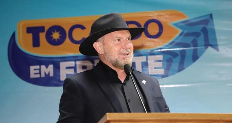 Governador Carlesse anuncia repasse de recursos extras na ordem de R$ 16 milhões para manutenção da frota escolar dos municípios
