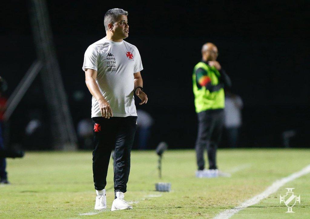 Vasco demite Marcelo Cabo após sequência negativa na Série B do Brasileirão