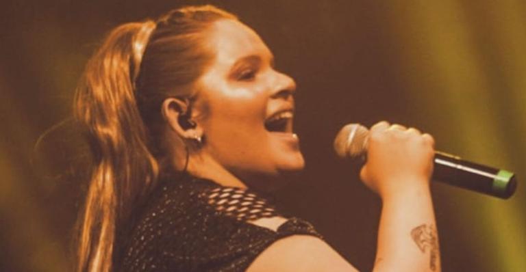 Morre a cantora Lanna Rizzi, aos 26 anos, após complicações da covid-19