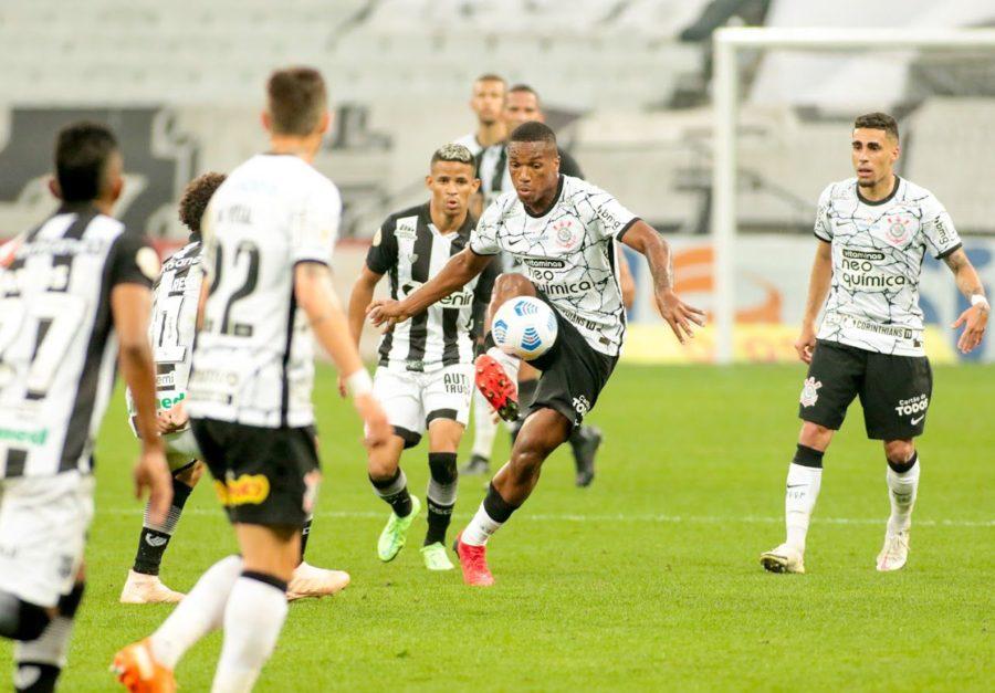 Feliz Xavier vibra com trabalho no Corinthians e projeta Athletico
