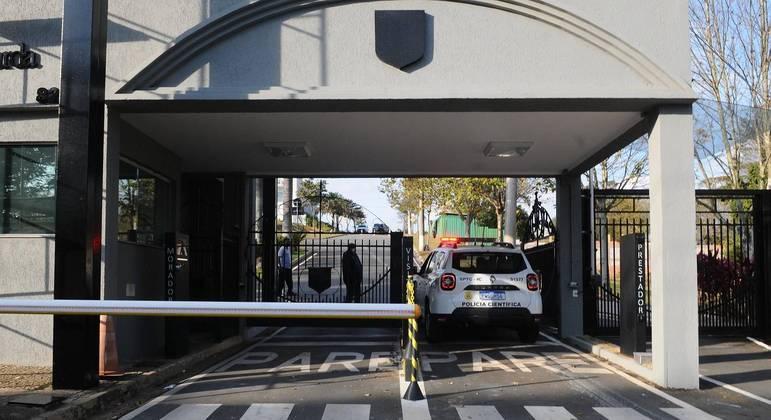 Filho mata pai para defender a mãe dentro de mansão em Valinhos (SP)