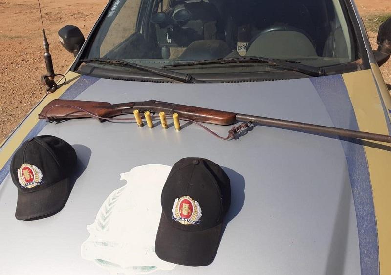 Após denúncia de violência doméstica PM apreende arma de fogo em Barra do Ouro