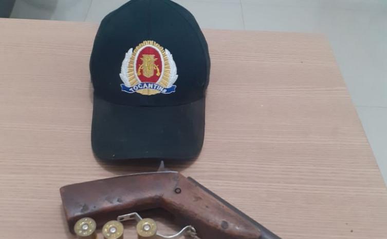 Homem é preso pela PM por porte ilegal de arma de fogo em Goiatins