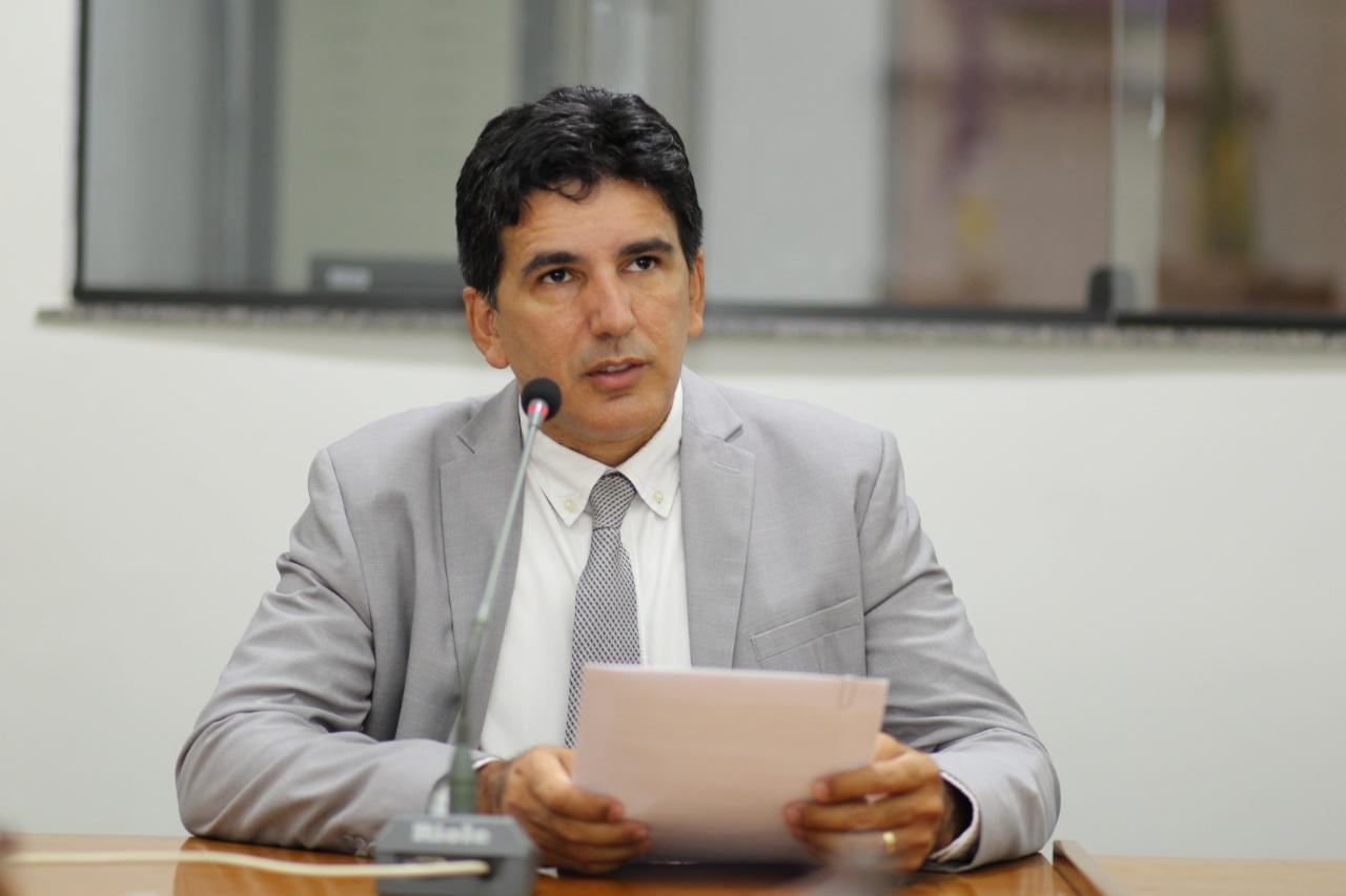 Professor Júnior Geo quer o restabelecimento da alimentação enteral dos pacientes graves do HGP