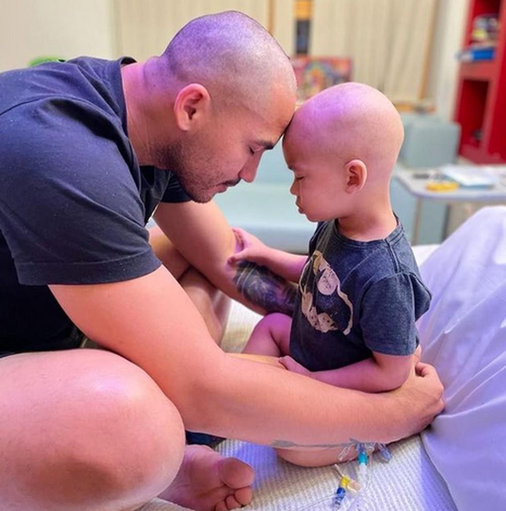 Atacante brasileiro interrompe a carreira na Europa após filho ser diagnosticado com câncer