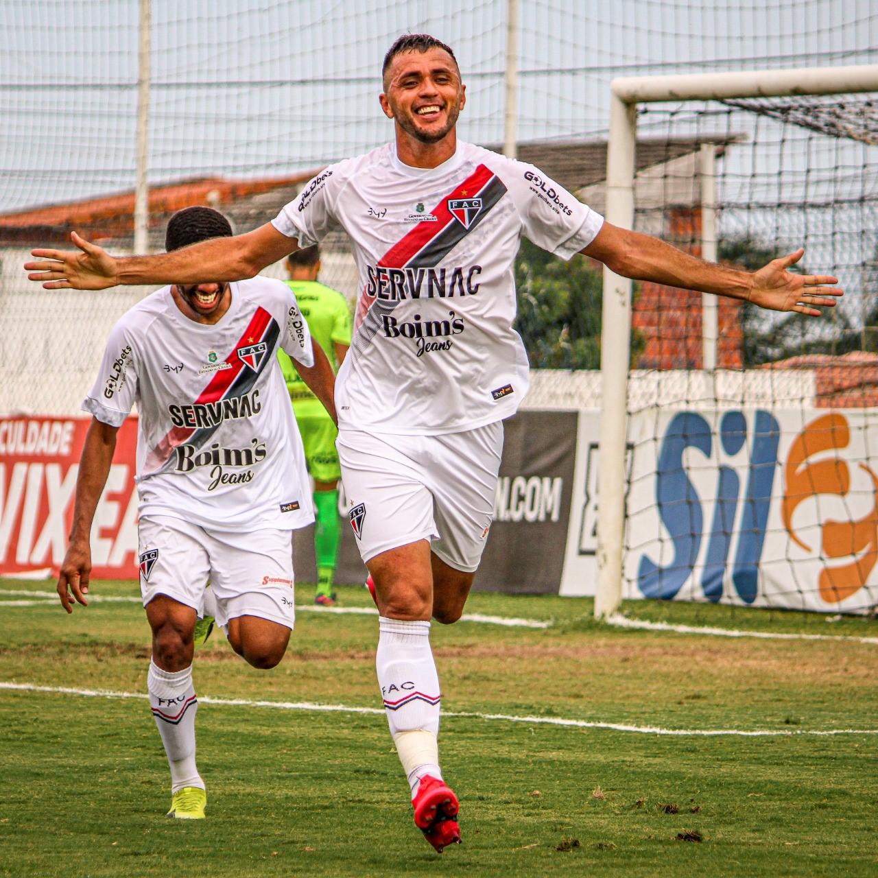 Edson Cariús celebra primeiro gol na volta ao Ferroviário e projeta decisão contra o Manaus