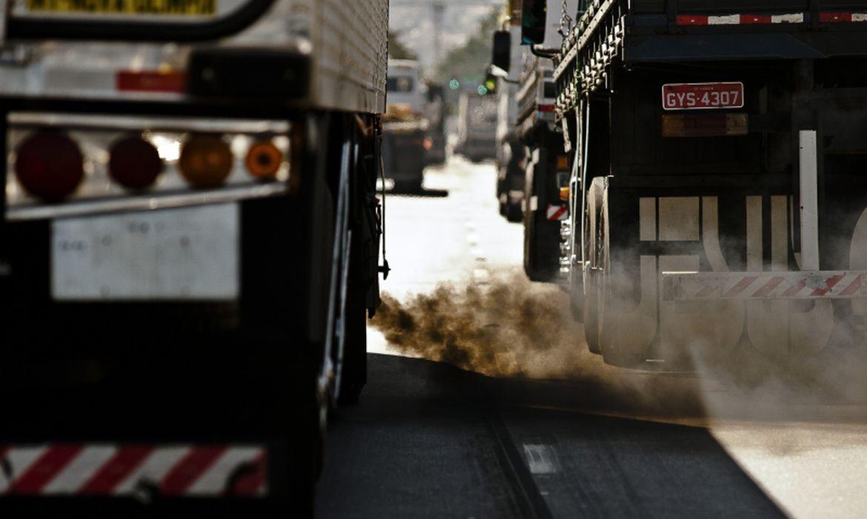 Senado aprova antecipação das metas de redução de gases em 5 anos