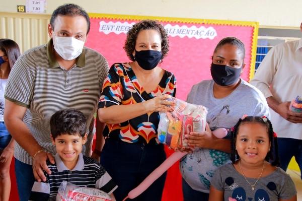 Educação de Gurupi inicia entrega de mais de 8 mil kits de alimentação a alunos da rede municipal