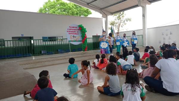 FECIPAR participa de mais uma ação educacional em parceria com a Semej de Paraíso