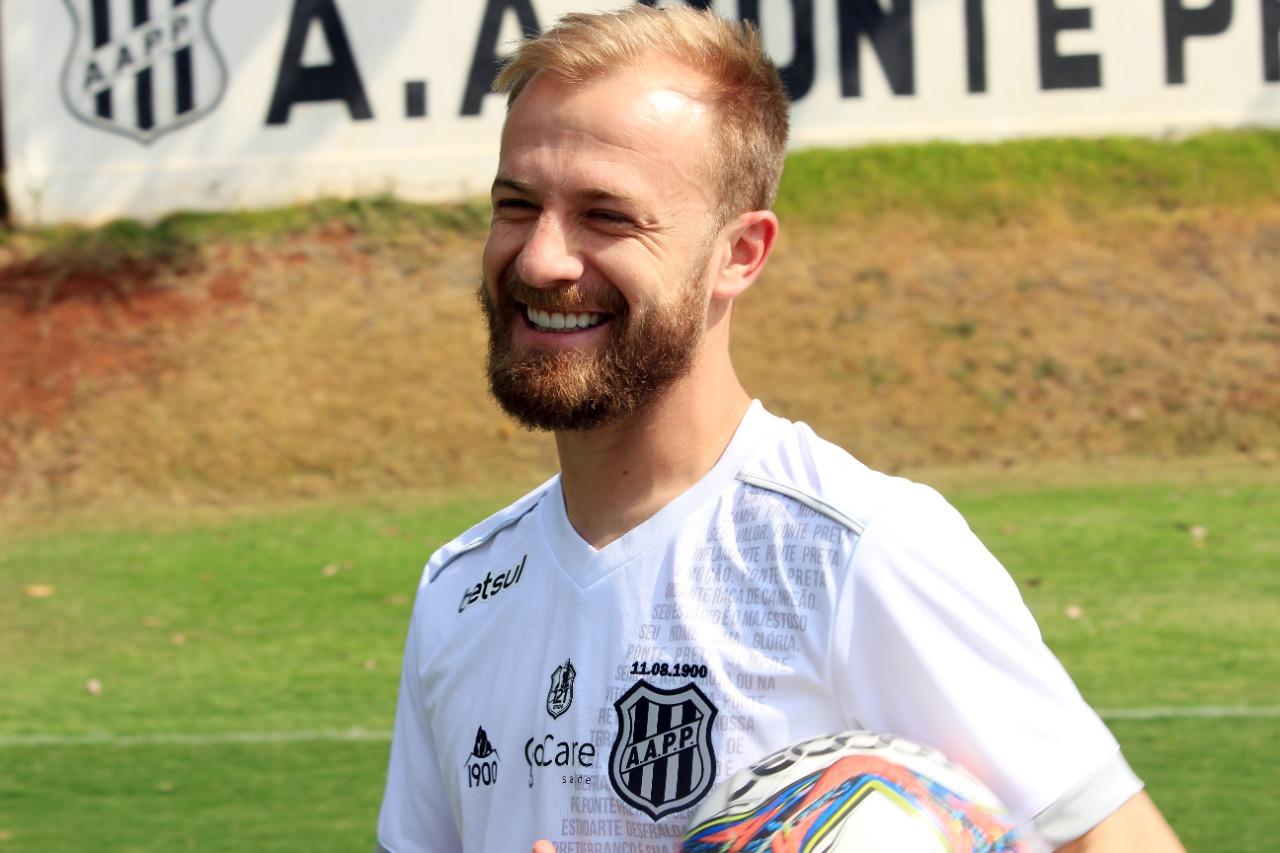 Presente em sucesso da Ponte Preta, fora de casa e sem sofrer gol, Marcelo Hermes valoriza importância de confronto direto diante do Vitória