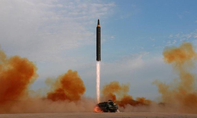 Coreia do Norte dispara míssil balístico para o mar do Japão