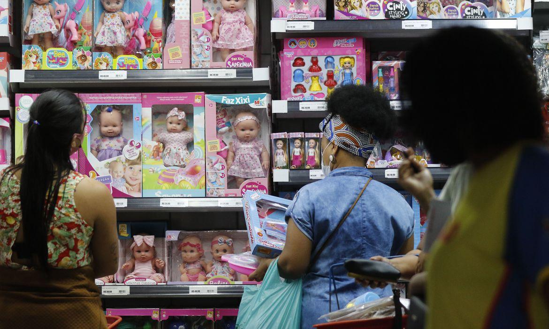 Rio permite lotação máxima em shoppings, atrações culturais e de lazer