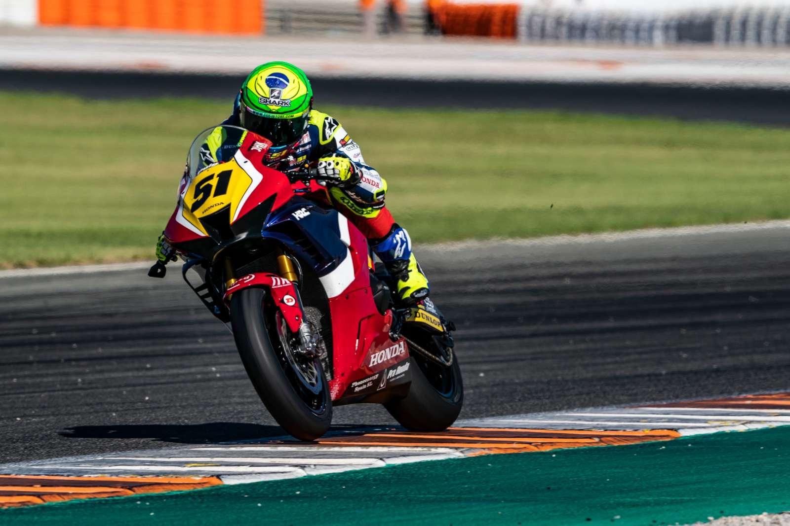 Brasileiro Eric Granado assume quarto lugar na classificação do Espanhol de Superbike