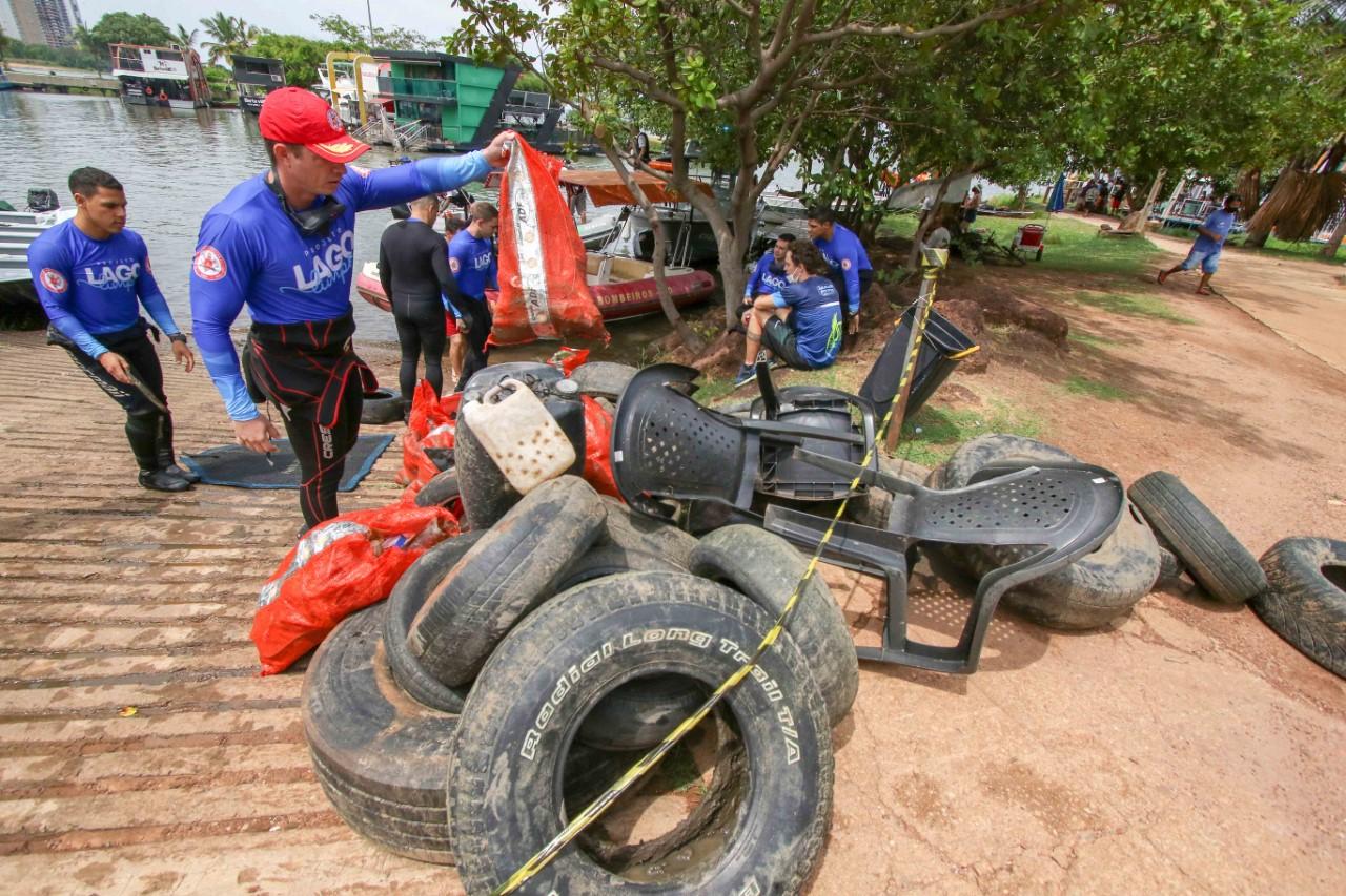 Bombeiros Militares e parceiros recolhem mais de uma tonelada de lixo das praias, aterro e ilhas