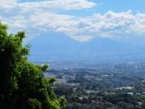 Vue imprenable sur la capitale tentaculaire, Guatemala