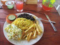 Yummy le Pinto! Tu le paies (env. 6$) mais c'est copieux (cette fois), Costa Rica