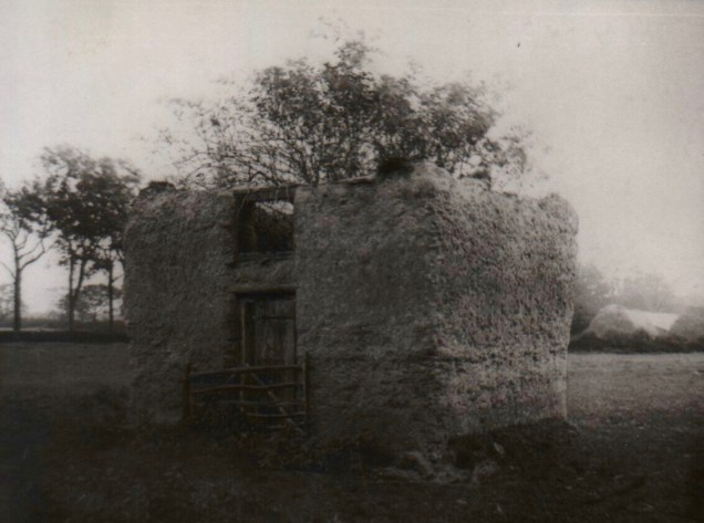 Ancient day lamp cottage or pidgeon loft c 1914