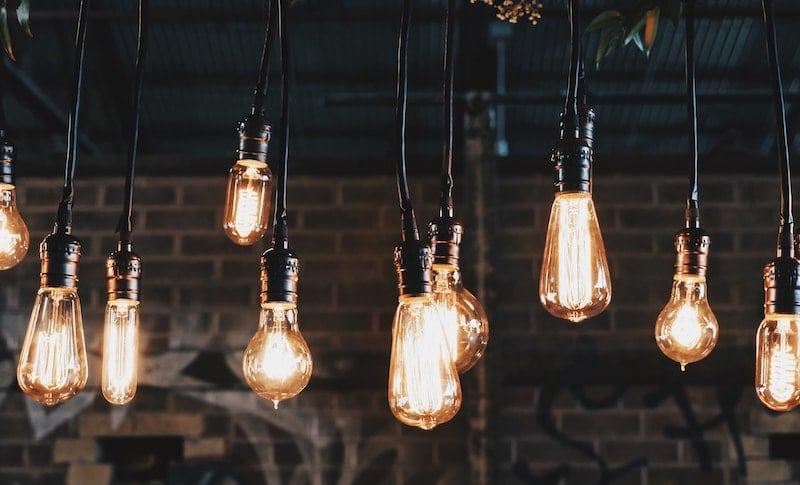 lightbulbs-hanging-from-ceiling