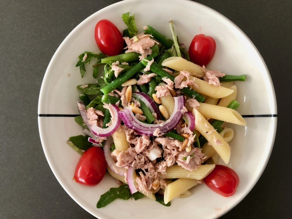 summer pasta salad with green beans and tuna