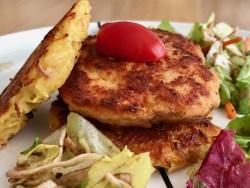 Salmon burger with crispy potato pancakes
