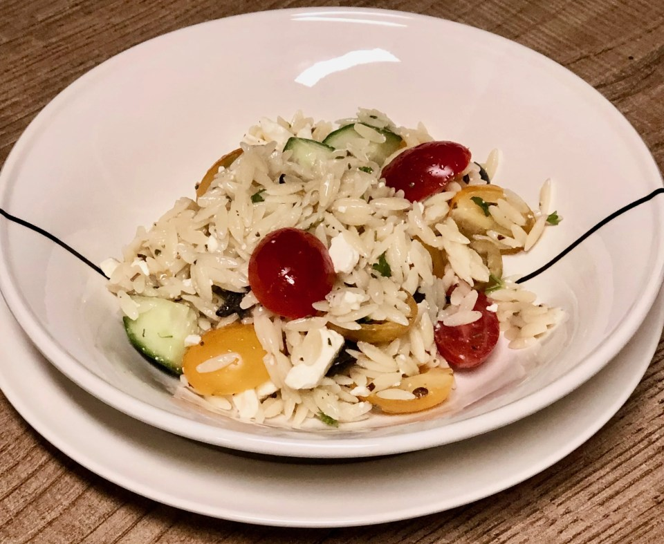 easy vegetarian Greek pasta salad