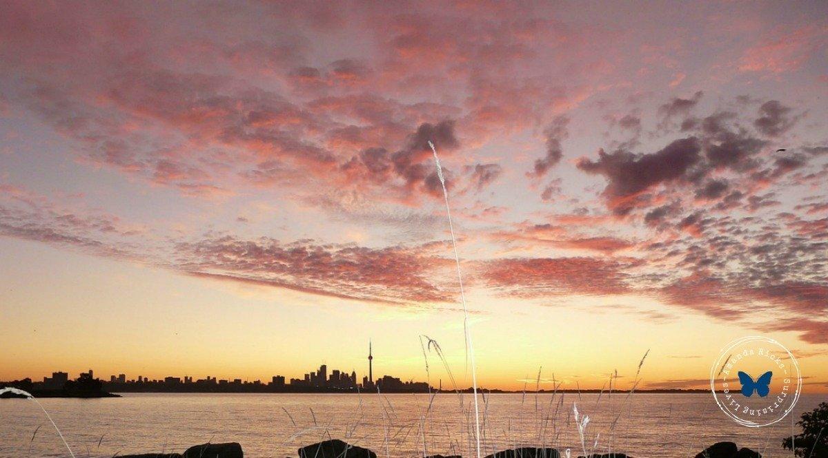 surprisinglives.net/sunrise-sunset-toronto/