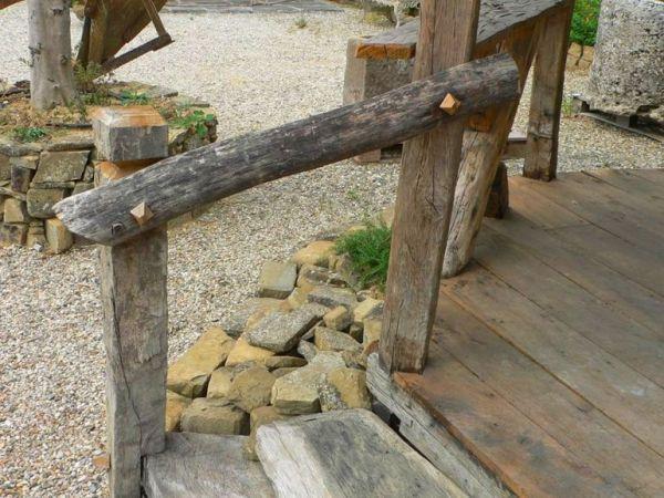 Detaliu casuta rustica din lemn
