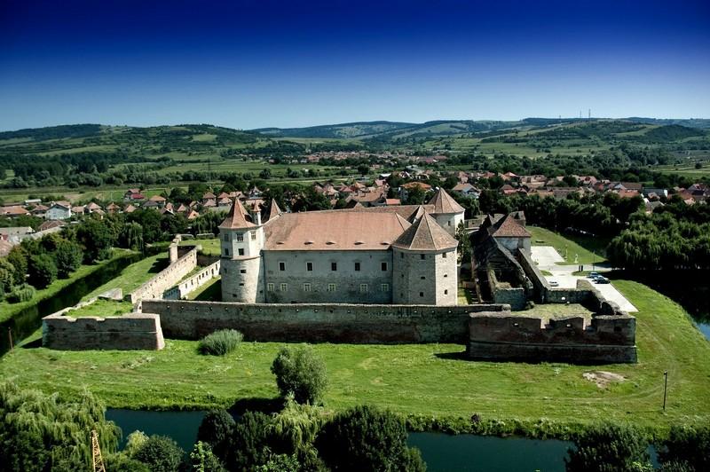 Cetatea Făgăraş, al doilea cel mai frumos castel din lume
