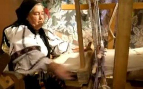 Olivia Tima ţese în războiul vechi de 120 de ani. Foto: captură video Youtube