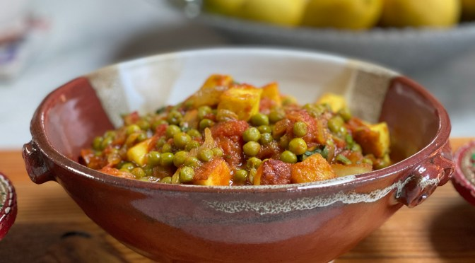 Mattar Paneer. Peas and Paneer in Spicy Tomatoes