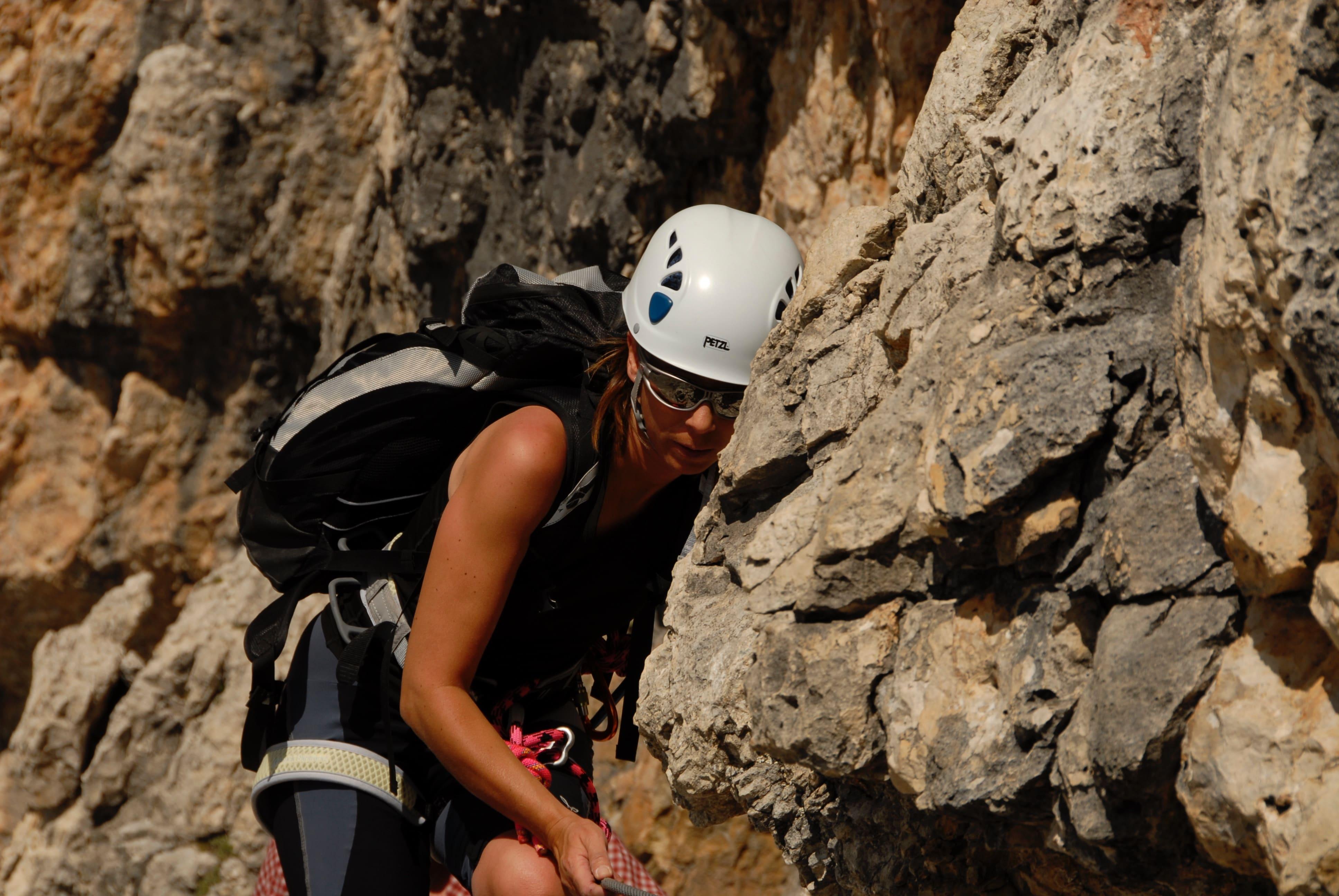 climbing-woman
