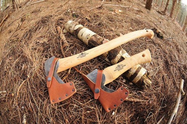 size-difference-survival-axe-vs-survival-hatchet